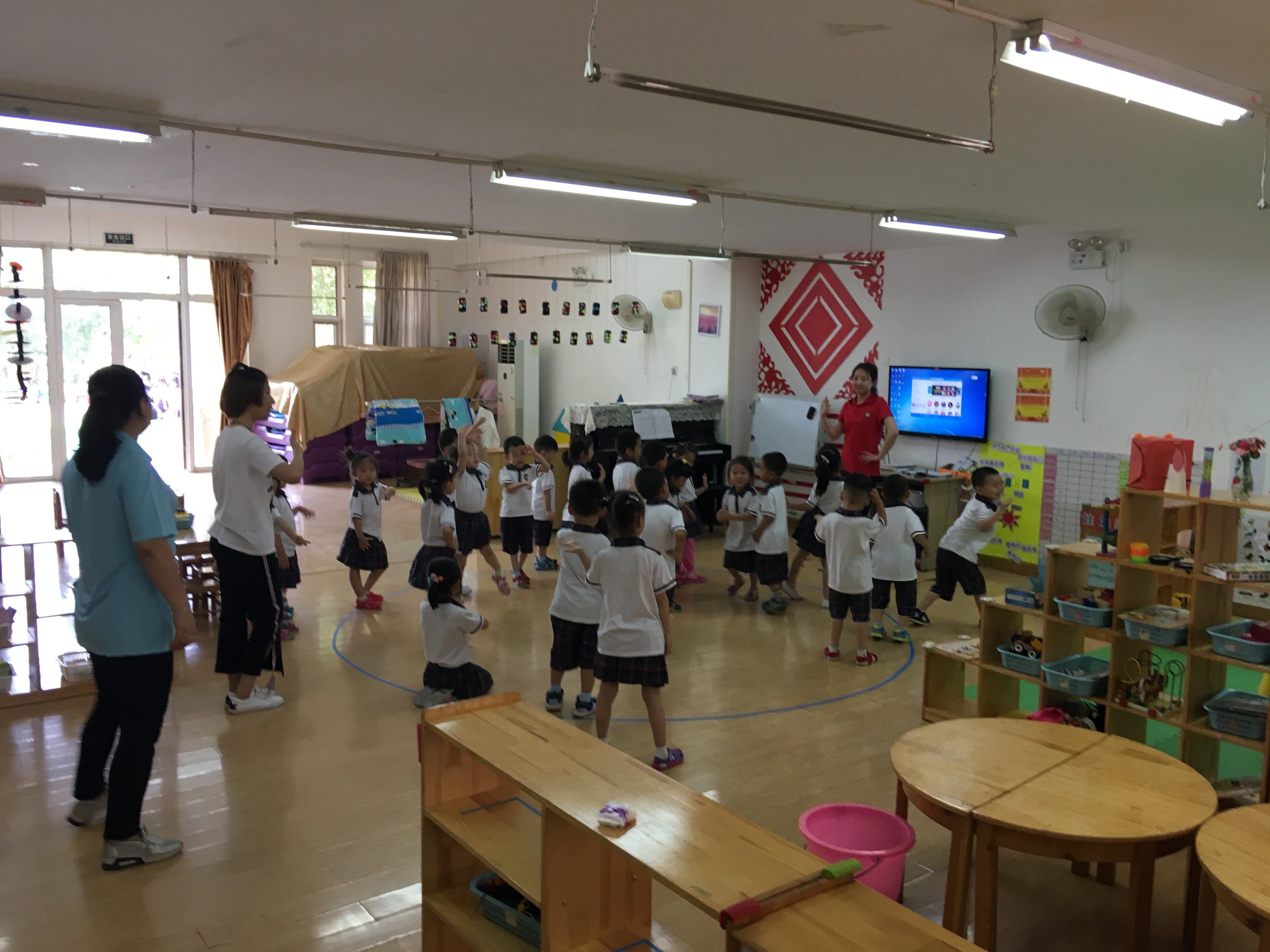LLI visits Day Care Partner in China